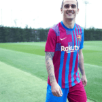 Barcelona presents its new shirt without Lionel Messi