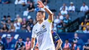 Chicharito signs double in win over Earthquakes