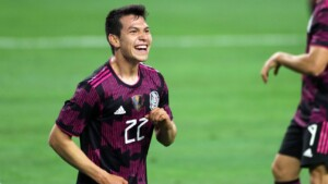 """Chucky Lozano agrees to score goals, if the fans stop shouting """"Eeeeeh pu ..."""""""