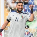 Donnarumma passes the medical examination prior to his signing for PSG