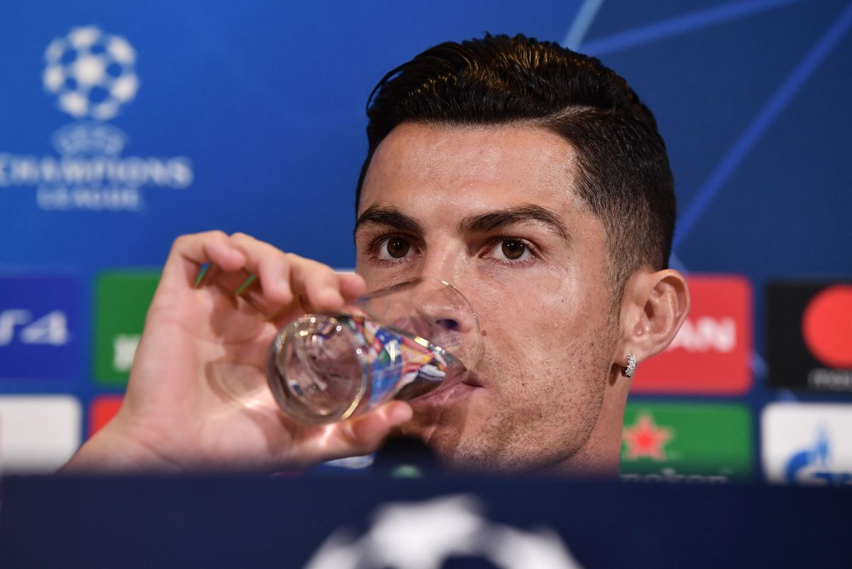 Everyone made fun of Cristiano Ronaldo: footballers, coaches and former teammates made fun of the gesture of CR7 and Coca-Cola