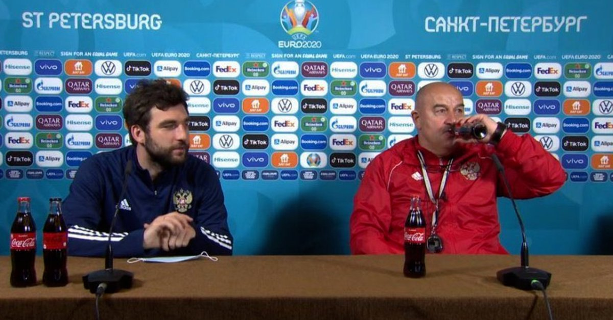 Follow the trend that Cristiano Ronaldo started in the Eurocup with soda bottles: the reactions of the coach of Russia and the figure of Italy