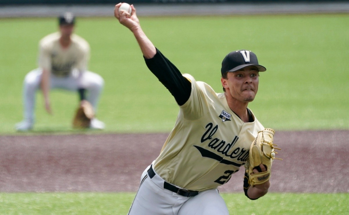 Jack Leiter strikes out 15 and still lost in the Collegiate World Series