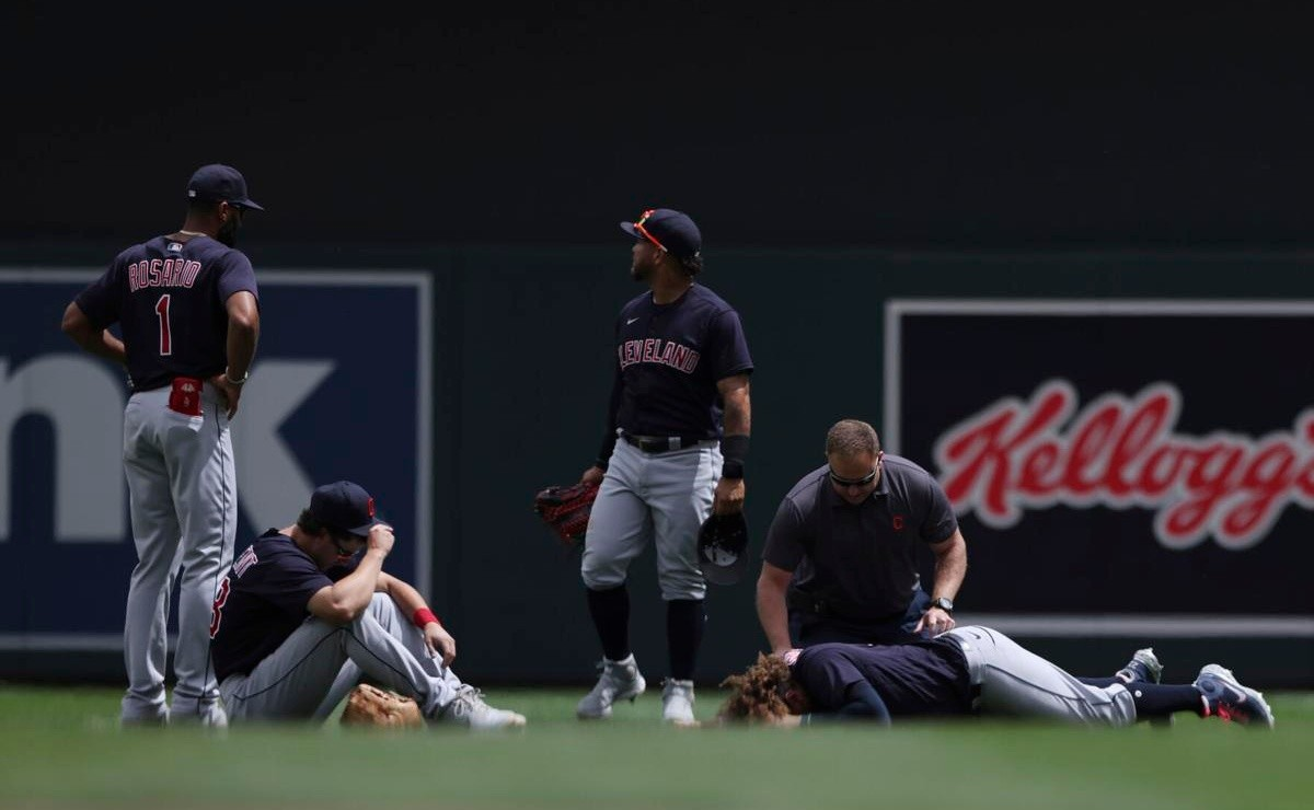 MLB: Josh Naylor suffers horrifying collision that takes him out of the game in a cart