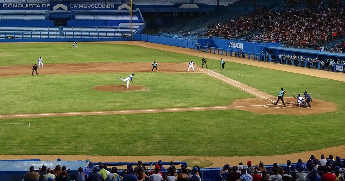 Official press blames embargo for deterioration of baseball in Cuba
