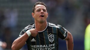 Sutcliffe: 'If Chicharito was summoned, he himself would decide not to go to the National Team'