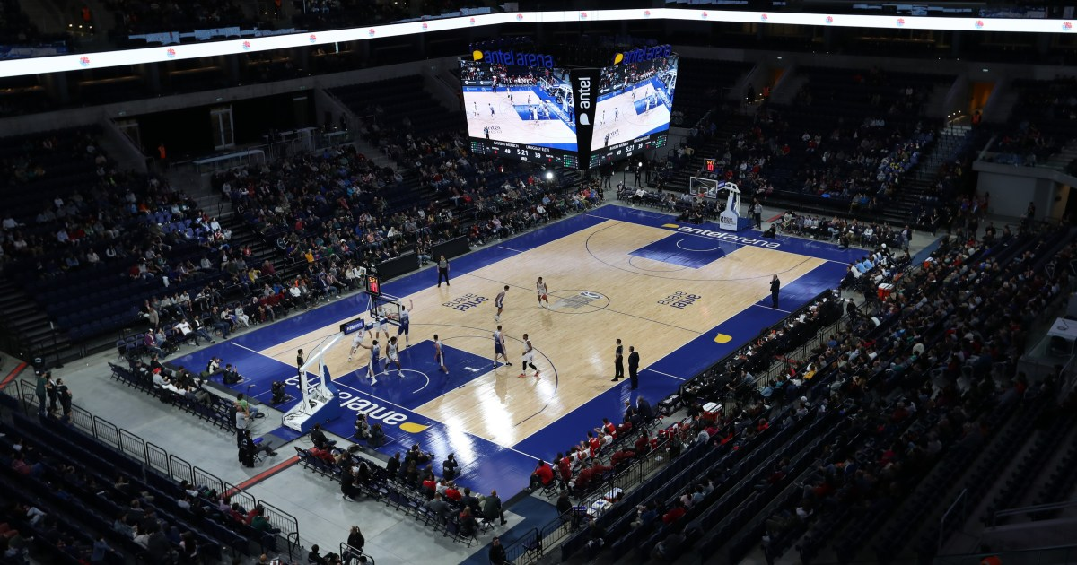 Tortillas thrown at California Latino school basketball team