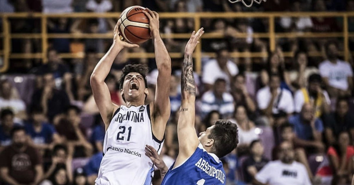 Who is the 2-meter pivot who until five years ago wanted to be a footballer and today is the big surprise in the Olympic basketball preselection