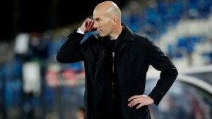 """Zidane faces journalist for asking """"the same stupid questions"""""""