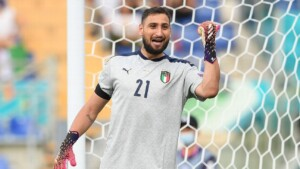 PSG has the dressing room 'divided' by the possible arrivals of Ramos and Donnarumma, they assure in France