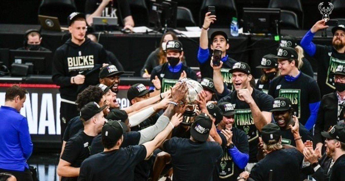 Milwaukee Bucks Eastern champion and NBA finalist