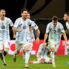 """Unpublished Messi: """"Dance now!"""" to Mina and the reactions in penalties"""