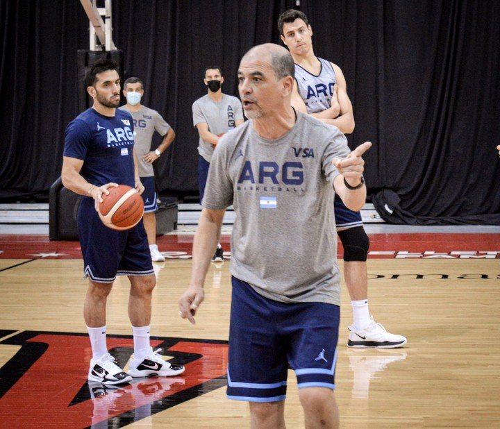 Argentina trains in Las Vegas before going to Japan.
