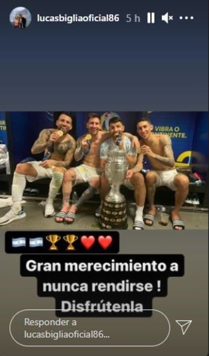 Biglia and the photo of the Old Guard.