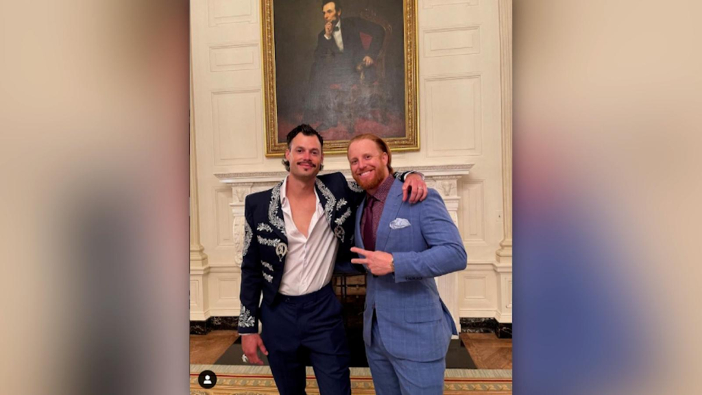 Joe Kelly went to the White House in a mariachi jacket