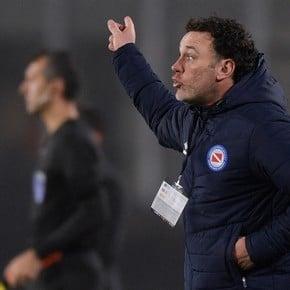 """Milito: """"We can't hug at 1-1"""""""