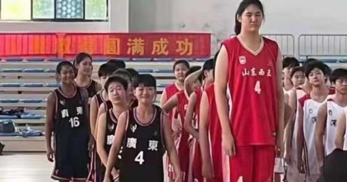 The great promise of Chinese basketball: he is 14 years old and measures 2.26 meters