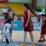 He is 14 years old, measures 2.26 meters and follows in the footsteps of Yao Ming: the teenager who is the great promise of Chinese basketball