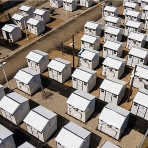In the United States they build 6 m2 houses for the homeless