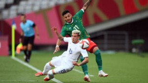 """Alexis Vega asks to """"keep your feet on the ground"""" after Mexico's Olympic win over France"""