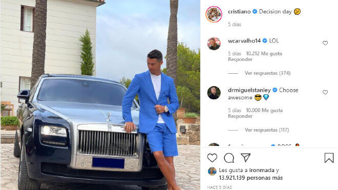 1627111672 The photo of Cristiano Ronaldo with a Rolls Royce that has