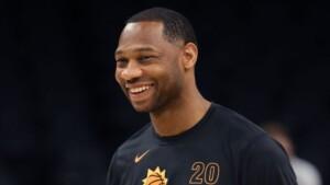 Pelicans officially name Green as head coach