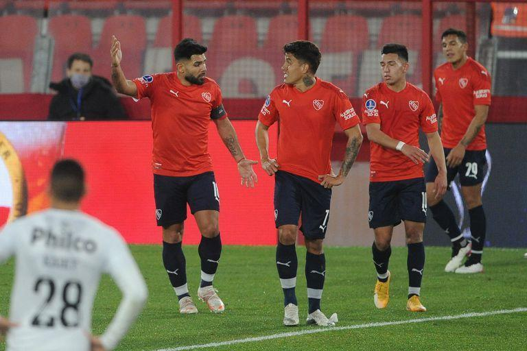 Independent needs to straighten out; close & # xe1; against Estudiantes on Sunday.