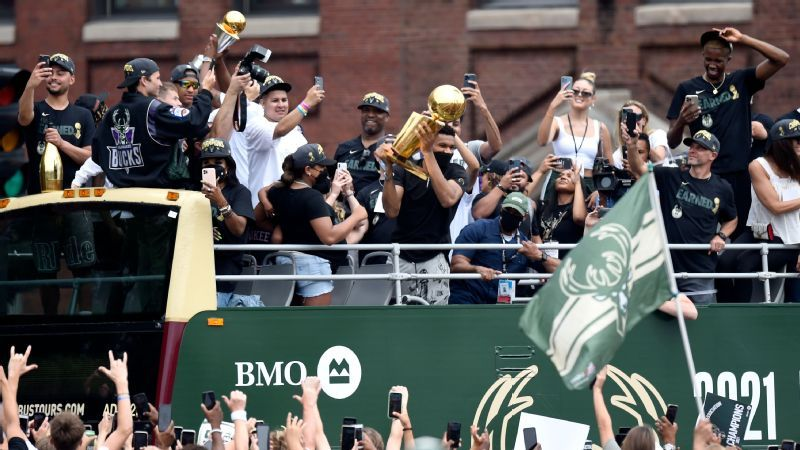 1627262843 Giannis and Bucks Celebrate Our Town at Title Parade