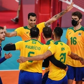 Unpublished: Brazilian volleyball players who wore chinstraps during the match