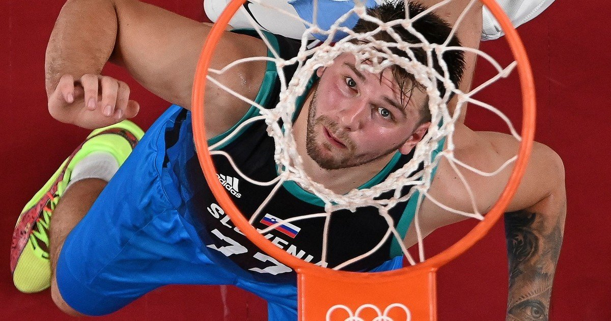 1627400575 The controversial meeting of the Slovenian basketball team