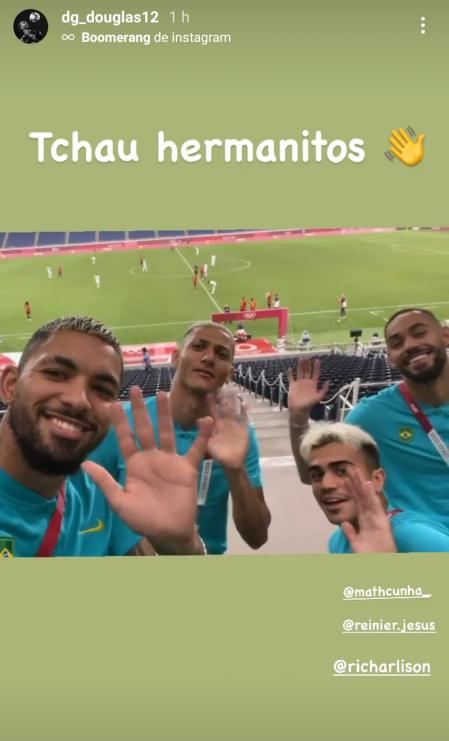 The Brazilian players laughed at the Argentines.