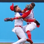 The spectacular clash between two baseball players in Mexico vs Dominican Republic in Tokyo 2020