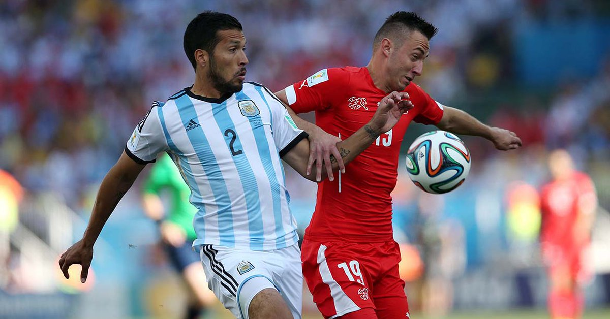 """Argentine defender Ezequiel Garay announced his retirement from football: """"I had in silence very strong pains that prevented me from even walking"""""""