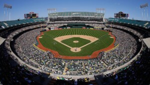 Athletics continue to negotiate with Oakland; they don't rule out Las Vegas