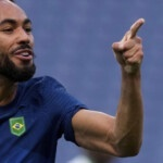 Brazil does not shine but already expects a rival in the quarterfinals