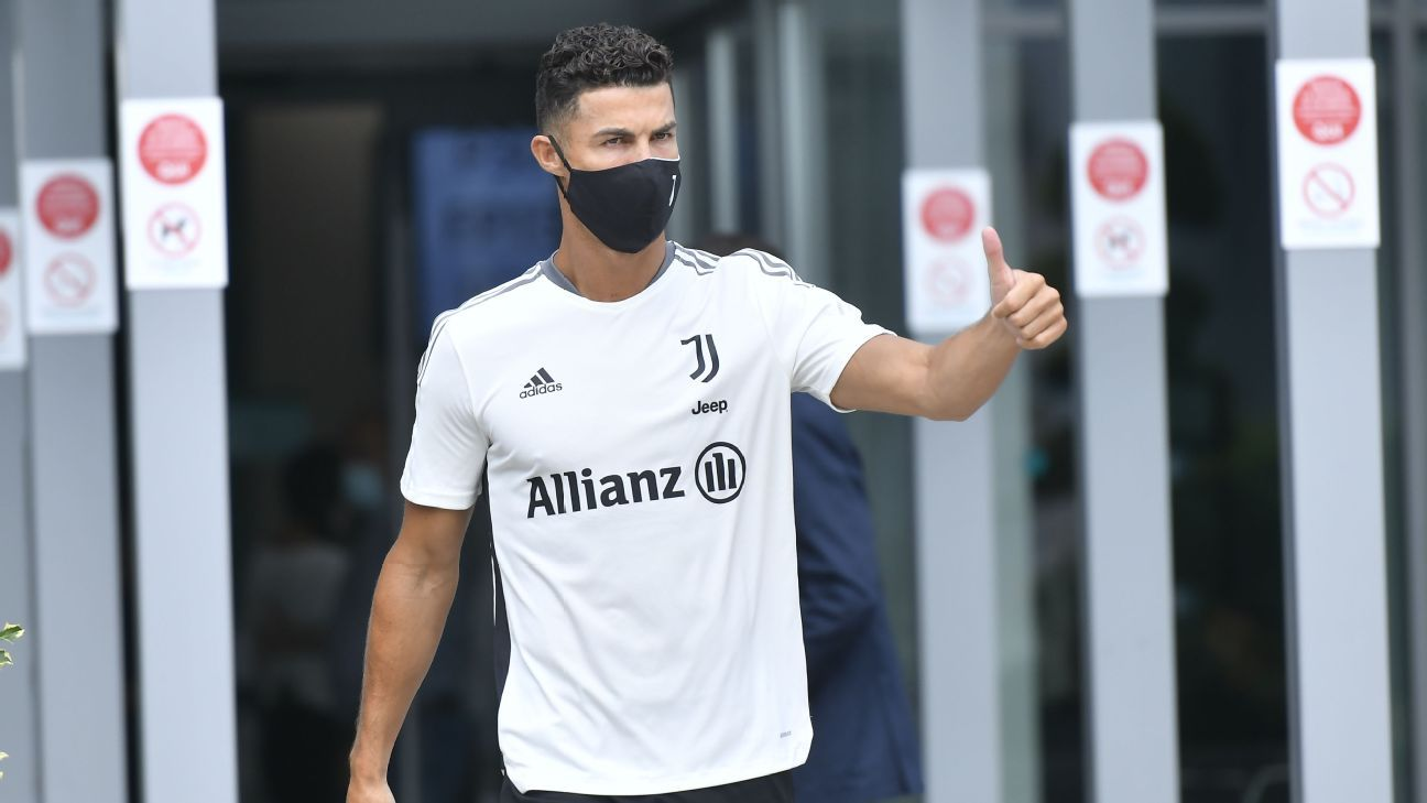 CR7 trains with Juve waiting to define its future