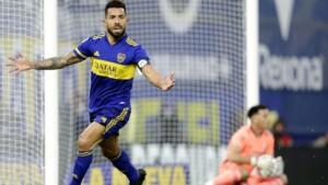 Carlos Tevez does not retire and will continue his career in MLS
