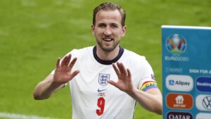 """Cesc 'invites' Kane to Madrid: """"It would be perfect"""""""