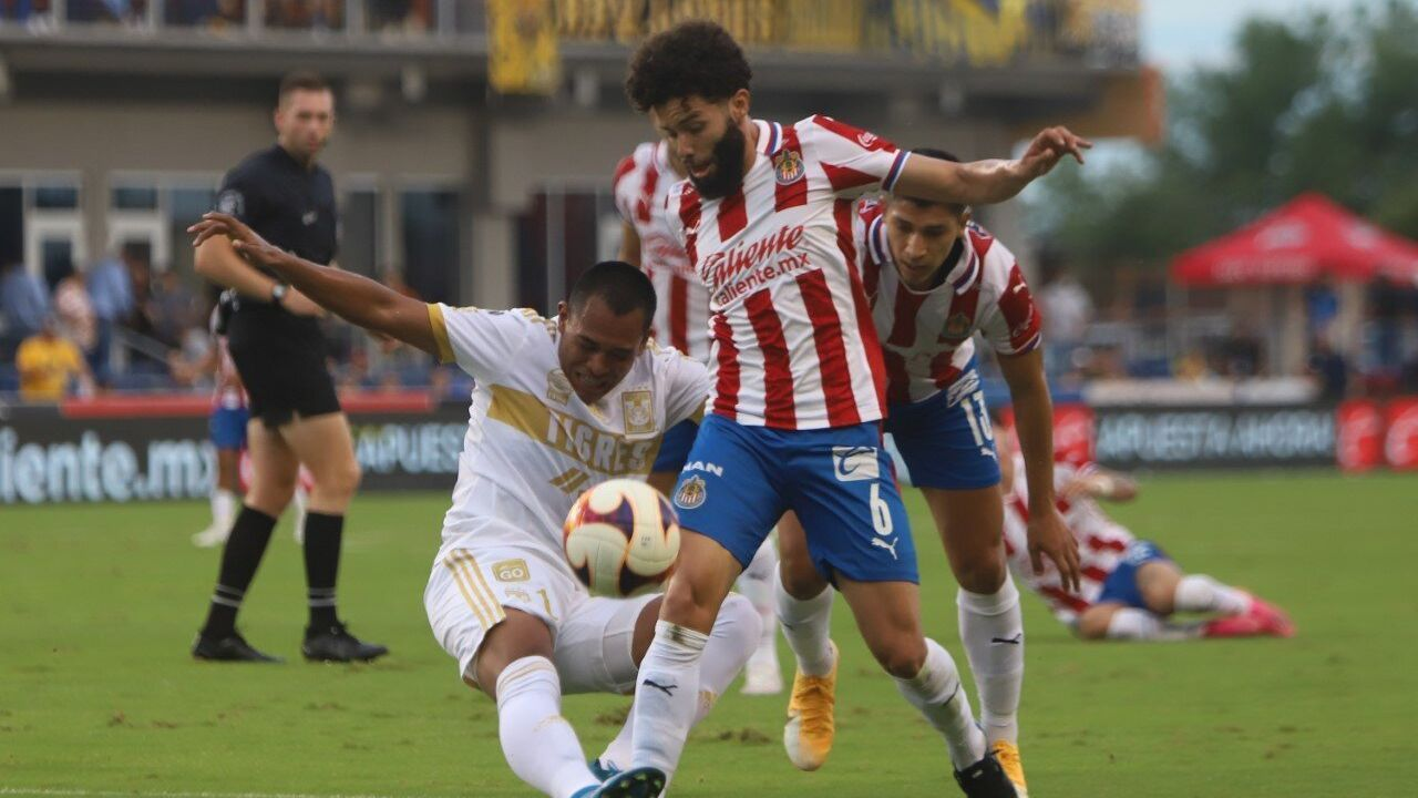 Chivas and Tigres do not go beyond the goalless draw