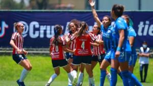 Chivas women's rescued a draw against Cruz Azul in the last minute