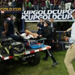 'Chucky' Lozano conscious in the hospital, will be carried out tomographies and x-rays after coup against Trinidad and Tobago
