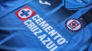 Cruz Azul presents its new home shirt and fans criticize the design