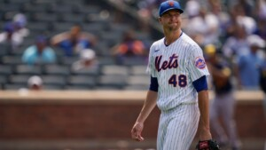 DeGrom 'frustrated', goes to IL with forearm strain
