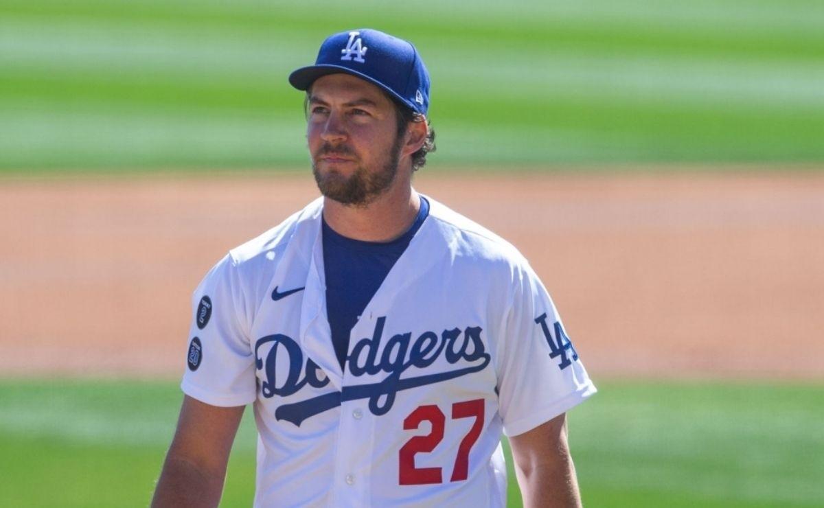 Dodgers fans think what should happen to Trevor Bauer after assault complaint