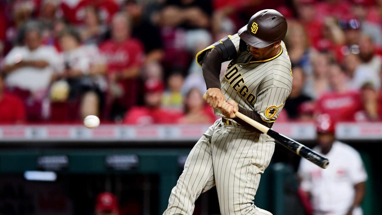 Grisham hits 2 HRs and Padres beat Reds