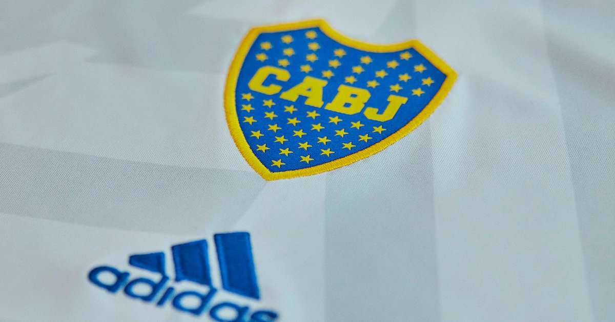 Inspired by the one worn by the first world champion team, Boca presented a new substitute jersey: innovation with the shield