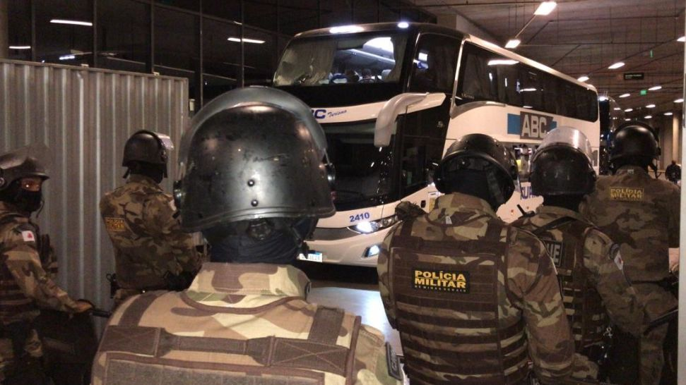 Libertadores Boca Juniors players to the police station to testify