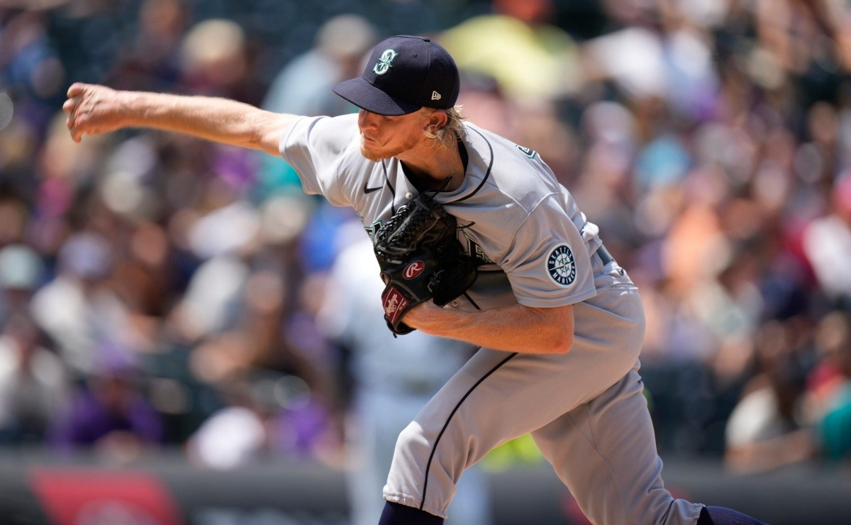 MLB Mariners Pitcher debuts with five no hit innings and WITH