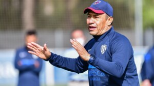 """Nacho Ambriz introduced himself to his Huesca players like this: """"They will say and this Mexican pin ... who will it be?"""""""