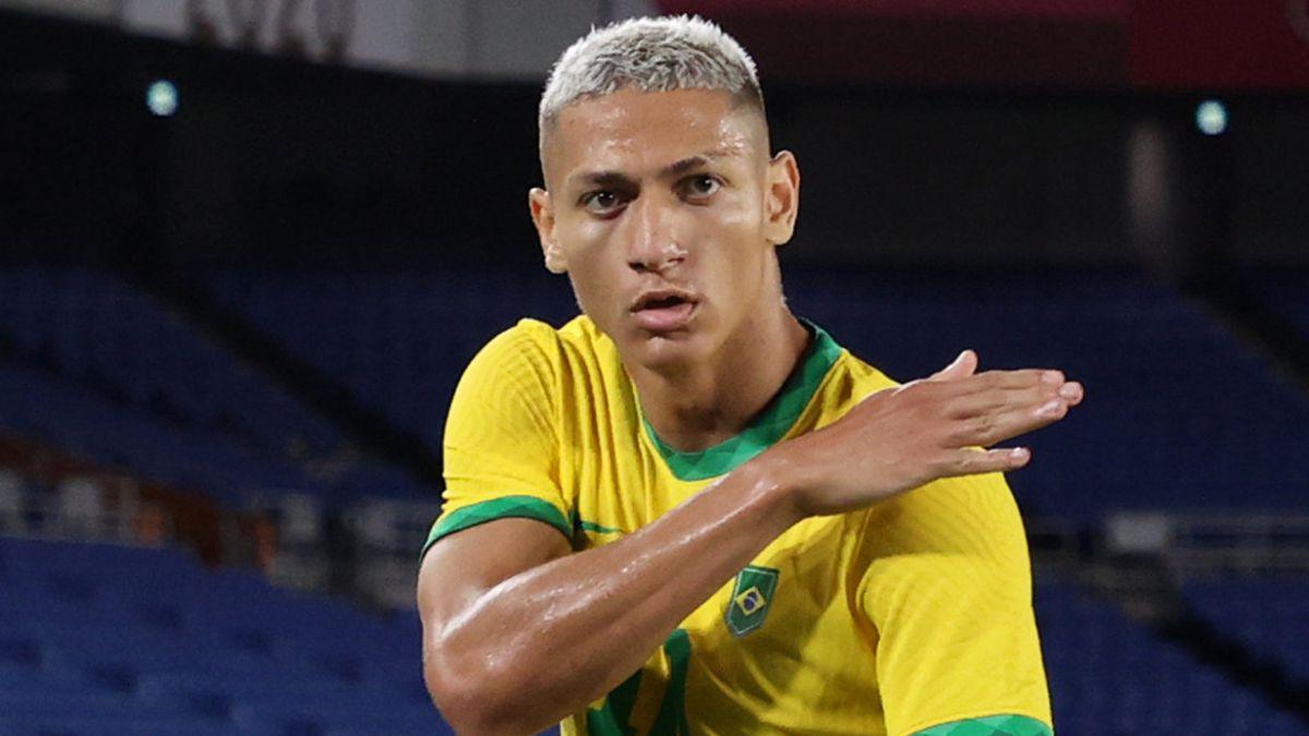 Richarlison dresses as Neymar and leads Brazils win